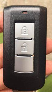 chìa khóa thông minh mitsu mirage