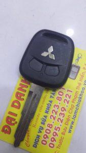 chìa khóa xe mitshubishi lancer