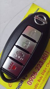 làm chìa khóa nissan sunny thông minh