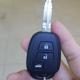 Chìa Khóa Xe Hơi 200k Vespa 130k Cửa Cuốn 120k Thẻ Từ 50k