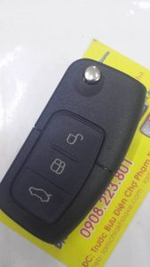 Chìa Khóa Remote Ford Focus